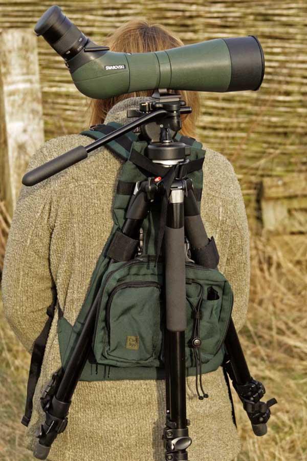 Komfortabel måte å bære stativ med teleskop og det man trenger å ha meg seg av bøker og mat.